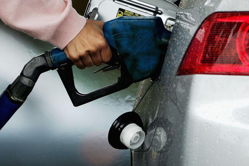 مصرف بنزین در محدوده خطر