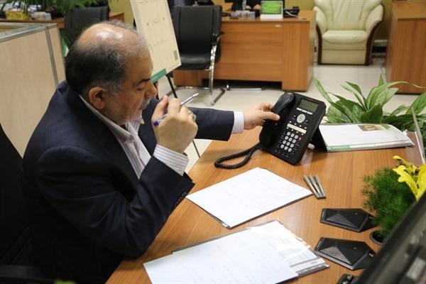 ارتباط مستقیم مدیرعامل بانک کشاورزی با کارکنان و مشتریان در مرکز ارتباط سبز