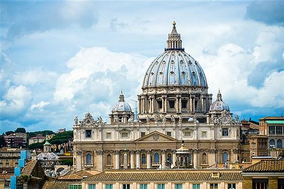 کلیسای سن پیترو در واتیکان و شهر رم ایتالیا