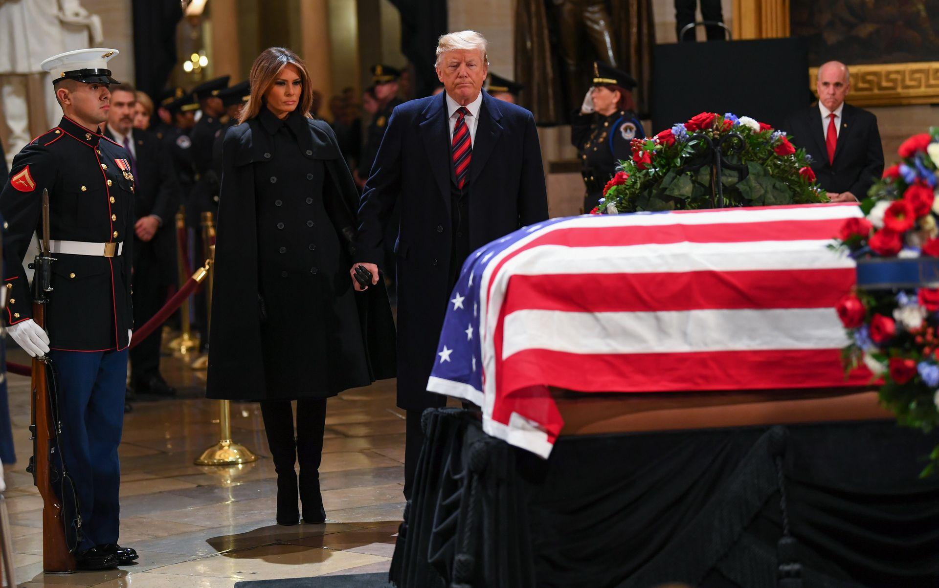 ادای احترام به جورج بوش پدر در ساختمان کنگره