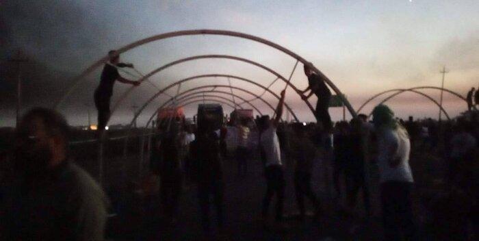 معترضان به نتایج انتخابات در حال برافراشتن خیمه در مسیر کرکوک به بغداد
