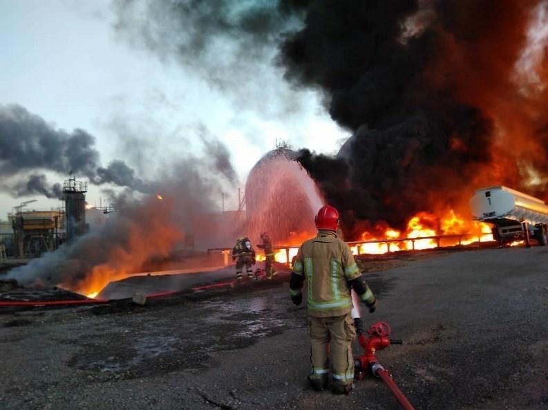 آتش سوزی پالایشگاه نفت