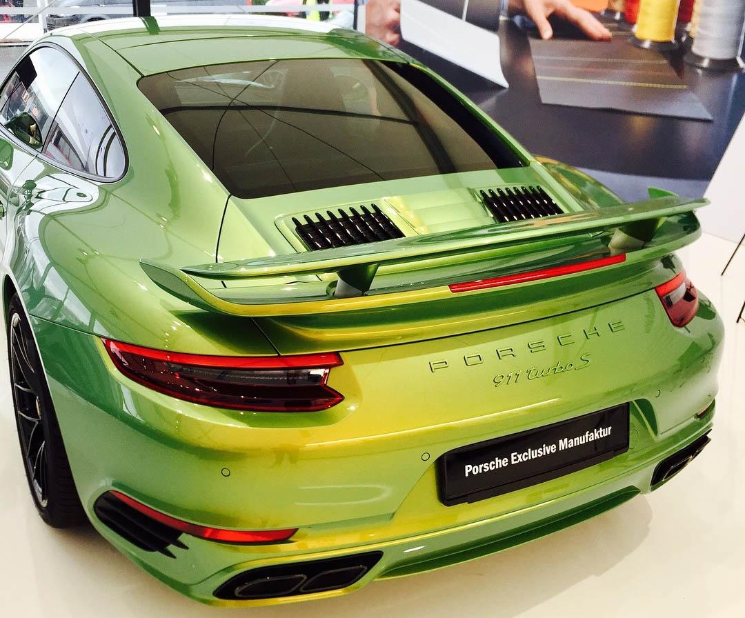 پورشه سبز فیونی