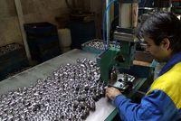 ۱۰۰هزار نفر در صنعت قطعهسازی تعدیل یا تعلیق شدند