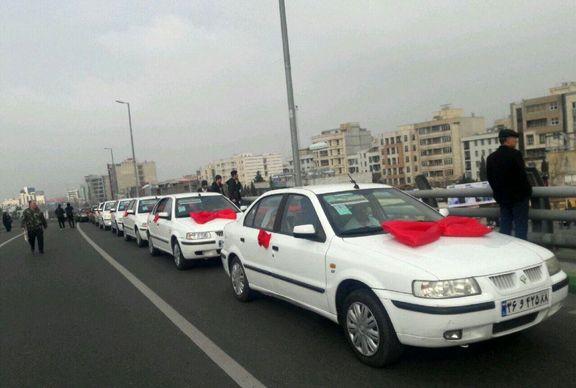 کاروان چهل عروس و داماد در مسیر راهپیمایی کرج +عکس