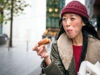 هشت دلیل برای این که تنها غذا بخوریم!