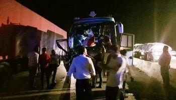 تصادف خونین اتوبوس با تریلی