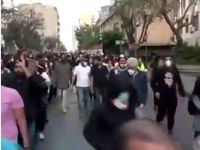 سقوط ارزش پول ملی لبنان تظاهرات کنندگان را به خیابان کشاند +فیلم