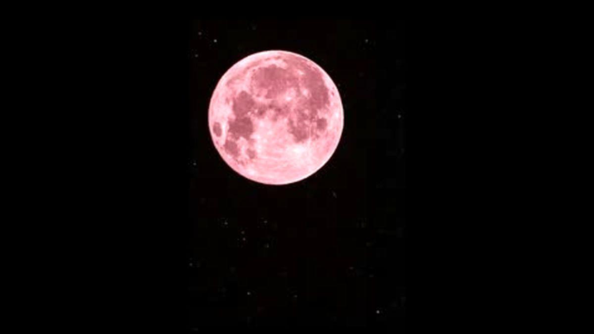 وقوع پدیده اَبَرماه صورتی در آسمان امشب