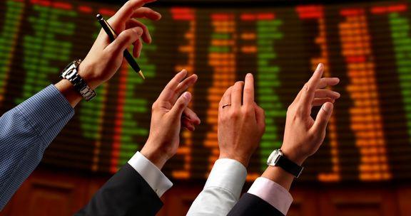 قدرتنمایی نقدینگی در بازار سرمایه ادامه یافت/ هجوم خریداران به بازار سهام