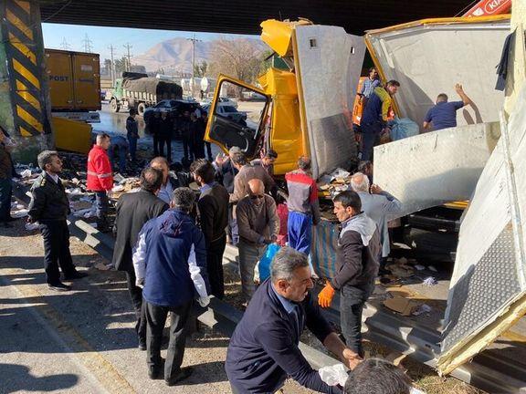 واژگونی هولناک کامیون در اتوبان