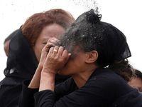 تصاویر دلخراش از خاکسپاری قربانیان سقوط هواپیما اتیوپی