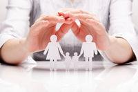 رشد بیمهنامه زندگی با یک روند کاهشی در مبلغ و تعداد روبرو است