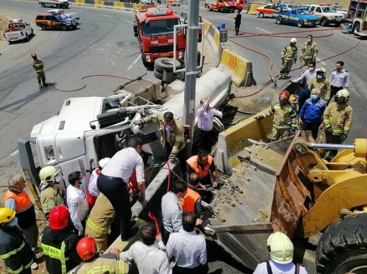 تانکر ۶ هزار لیتری گازوئیل در تهران واژگون شد