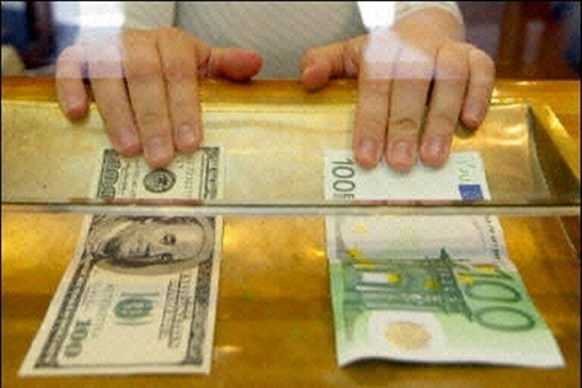 باید صادرات را به بازگشت ارز منوط کرد