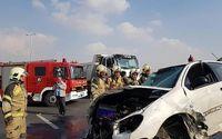 آتش گرفتن پژو ۲۰۶ واژگون شده در آزادراه +عکس