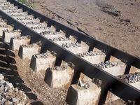 طغیان رودخانه تالار سبب توقف قطارهای شمال شد +تصاویر