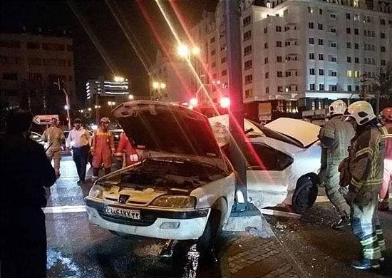تصادف مرگبار پژو با تیربرق در شهرکغرب +عکس