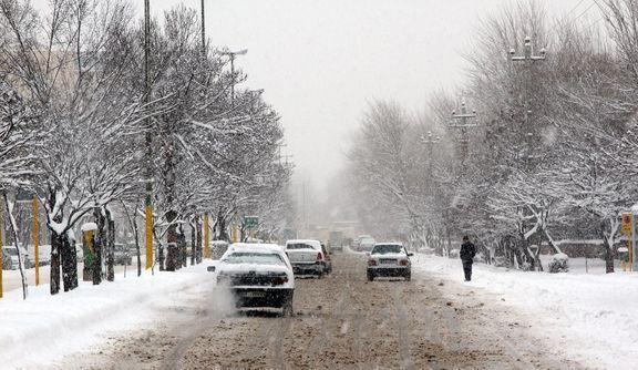 بارش برف و باران در جادههای کشور