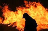 آتشسوزی در سردخانه و انباری یک مرکز درمانی در تهران +عکس