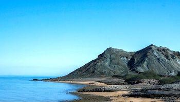 جزیره 70رنگ ایران که پر از توریست است اما امکانات ندارد +تصاویر