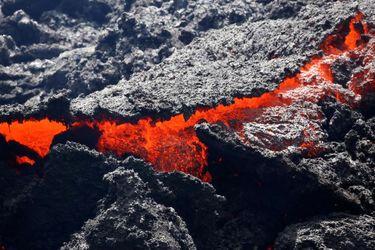 جولان مواد مذاب در هاوایی