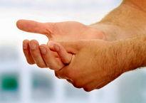 شکستن قولنج انگشتان مفید است؟