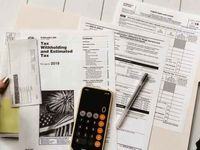 چه کسانی در آمریکا از پرداخت مالیات بر درآمد معاف هستند؟