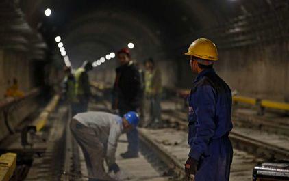 ساخت و حفاری ایستگاه متروی دولت آباد تهران