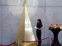 گرانترین درخت کریسمس از جنس طلای خالص +عکس