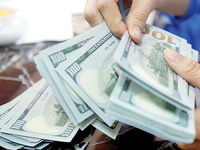 دلار از میانه کانال ۲۴ هزار تومانی بازگشت