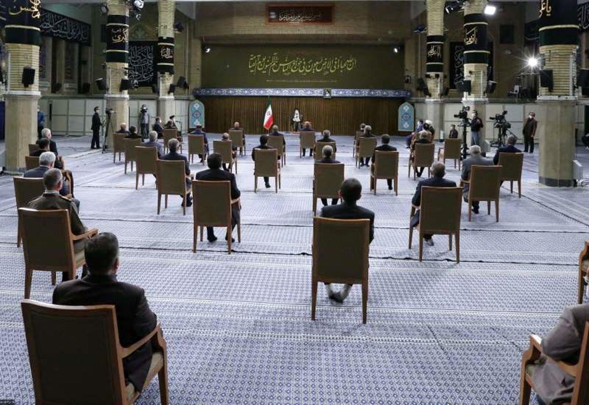 تنها زن حاضر در دیدار هیات دولت رییسی با رهبر انقلاب کیست؟ + عکس