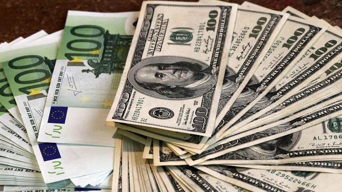 افشای پشت پرده جهش دلار در ۱۰روز گذشته/ افزایش ۳هزار تومانی با فشار ۲صراف رانتخوار/ فشار ۲صراف به همتی و روحانی برای جلوگیری از اصلاحات اقتصادی