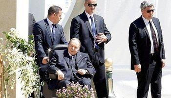 رییس جمهور الجزایر استعفا میکند
