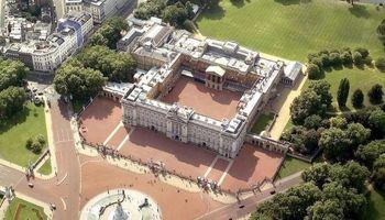 ۱۸ میلیون پوند هزینه همسایه شدن با ملکه انگلیس +تصاویر