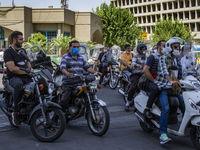 جولان موتورسیکلتها در اطراف بازار تهران +عکس
