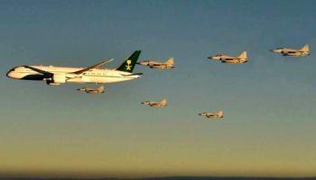 اسکورت هواپیمای ولیعهد عربستان با شش جنگنده پاکستانی +فیلم