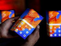 اتمام موجودی گوشی تاشوی Huawei Mate Xs در چند ثانیه!