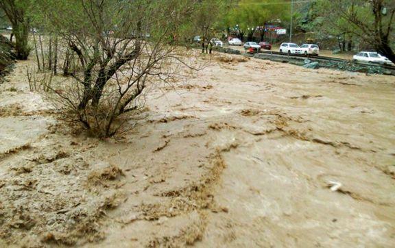 مسدود شدن جاده دزفول - شوشتر براثر سیلاب