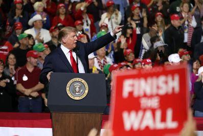 یارکشی ترامپ برای ساخت دیوار