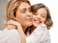 در آغوش گرفتن فرزندان برای رشدشان ضروری است