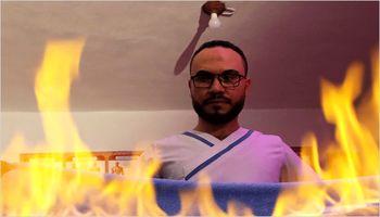 ماساژ بدن مشتریان با آتش! +تصاویر
