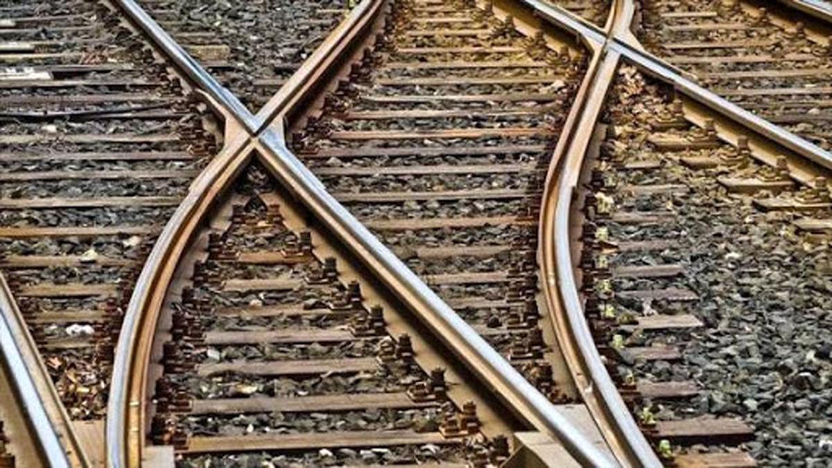 این افراد باعث مرگ مسافران قطار می شدند!