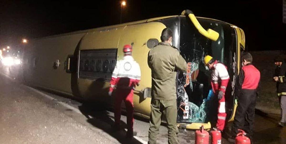 واژگونی اتوبوس در محور دامغان - شاهرود