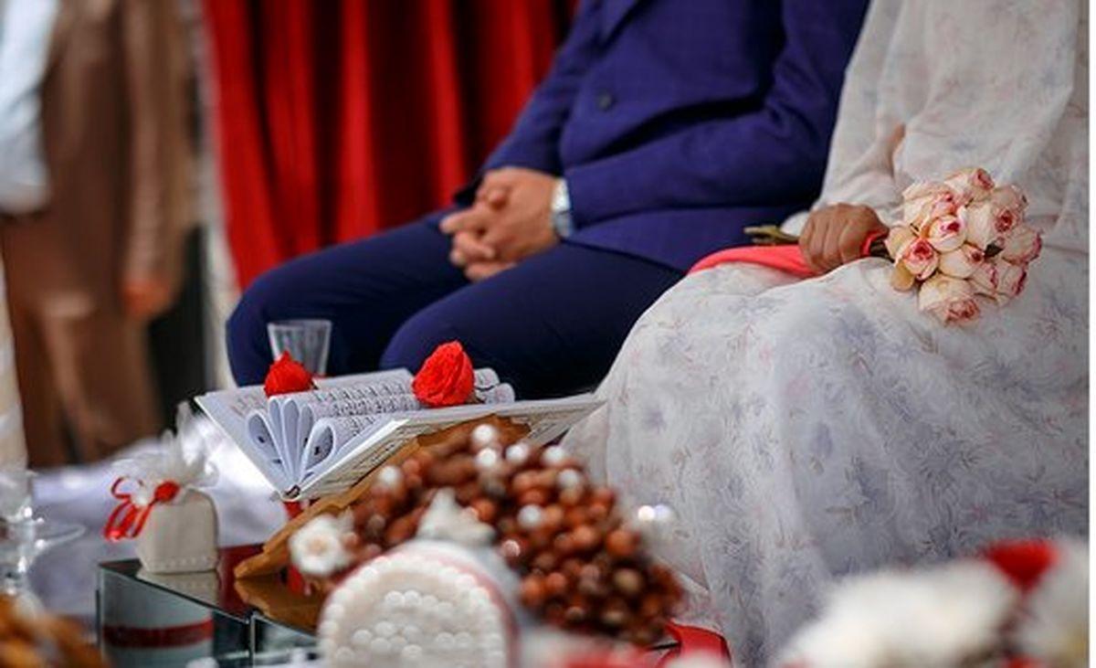 شمشیرکشی عروس و داماد در شب عروسی