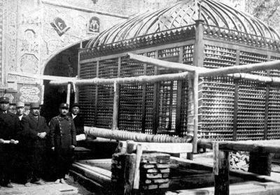 ضریح چوبی مرقد مطهر امام رضا(ع) +عکس