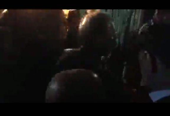 حضور شبانه ربیعی در جمع کارگران معترض سد کارون4 +فیلم