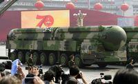 چین از موشکهای اتمی خود رونمایی کرد +فیلم