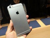اپل جاسوسی آیفون از کاربران را رد کرد
