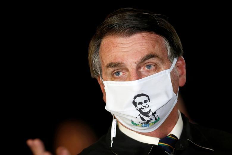 رئیس جمهور برزیل با ماسک